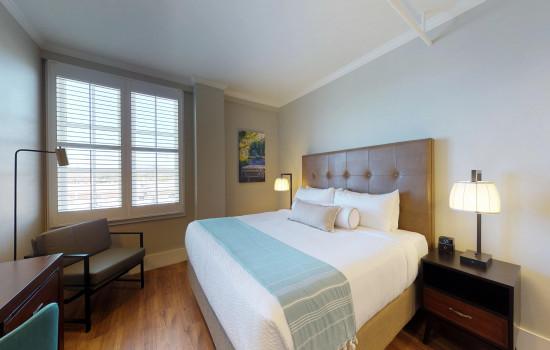 Hotel Petaluma:  Deluxe King
